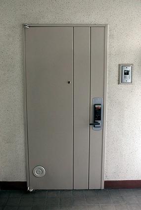 взломостойкие железные двери